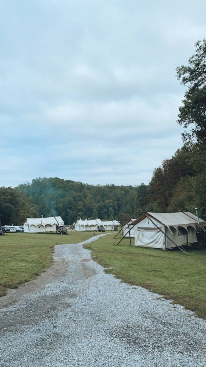 Glamping site Under Canvas campsite near Smokey Mountain National Park