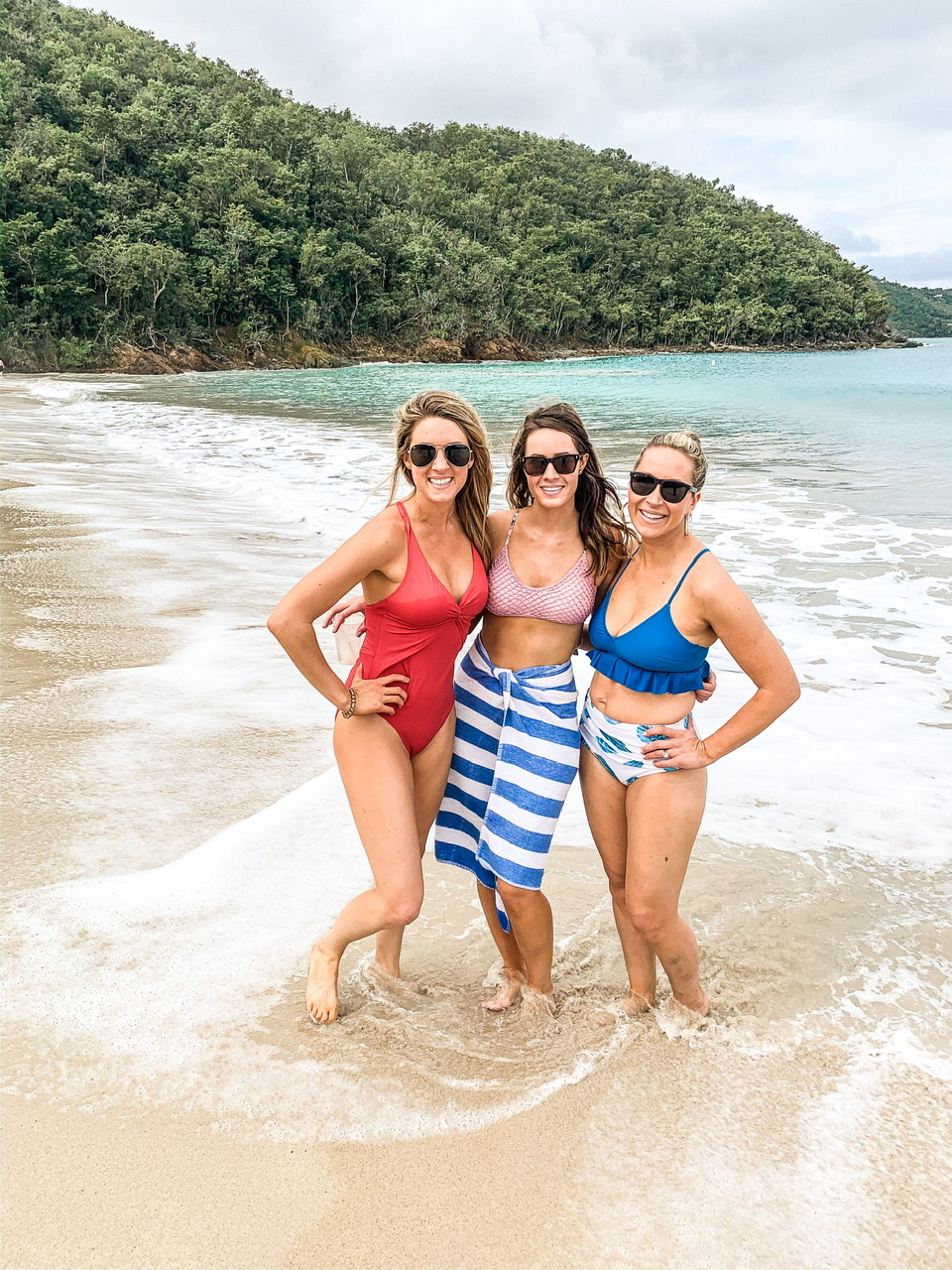 All of the ladies enjoying a day at Magens Bay